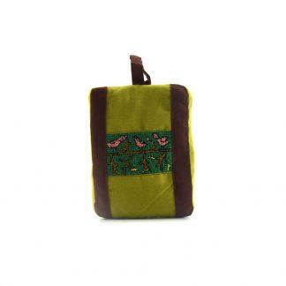 Barna-zöld kismadaras pikk-pakk táska