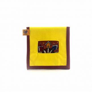 Sárga házikós mobil töltő tartó