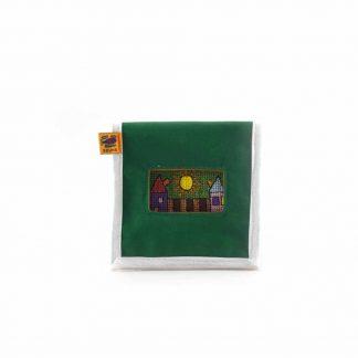 Zöld házas mobil töltő tartó
