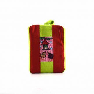 Piros kismadaras pikk-pakk táska