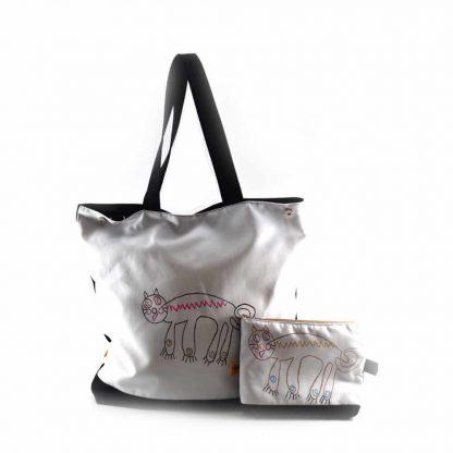 Fehér cicás festett táska neszesszerrel