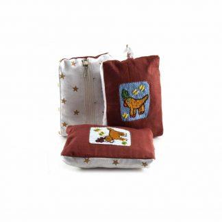 Barna rénszarvasos pikk-pakk táska